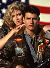 Kelly McGillis e Tom Cruise in un'immagine pubblicitaria di Top Gun