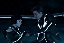 Olivia Wilde e Garrett Hedlund in Tron: Legacy