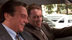 Tom Arnold e Arnold Schwarzenegger in True Lies