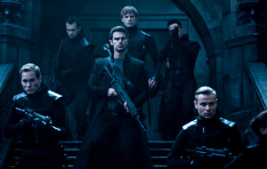 Theo James in una scena di Underworld - Blood Wars
