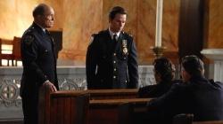 Robert Duvall e Mark Wahlberg in una scena di I padroni della notte
