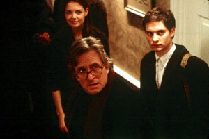 Katie Holmes, Michael Douglas e Tobey Maguire in Wonder Boys